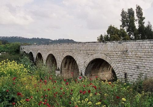 800px-Valley_train_jalame_bridge